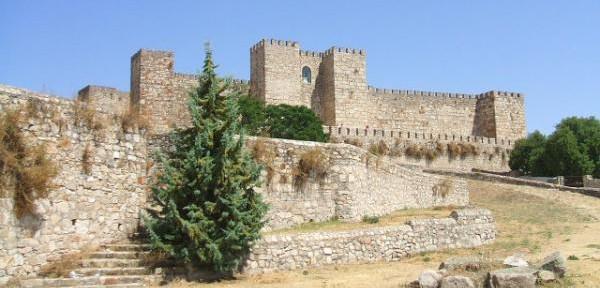 Castello-di-Truijllo-Spagna.jpg